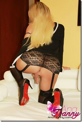 ana-mancini-stockings-4
